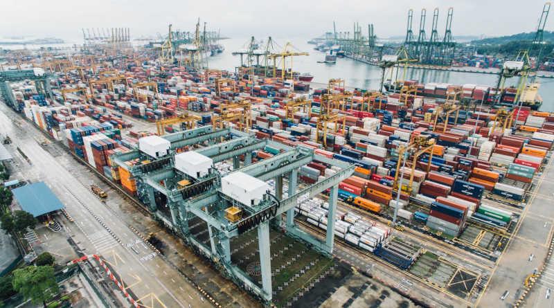 Натоварено пристанище