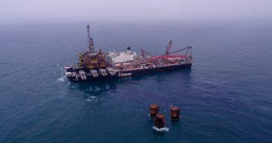 Pioneering Spirit removes 25000t Brent Bravo platform