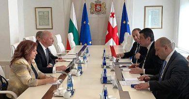 Министър Росен Желязков и премиерът на Грузия обсъдиха развитието на транспортната и дигиталната свързаност през Черно море