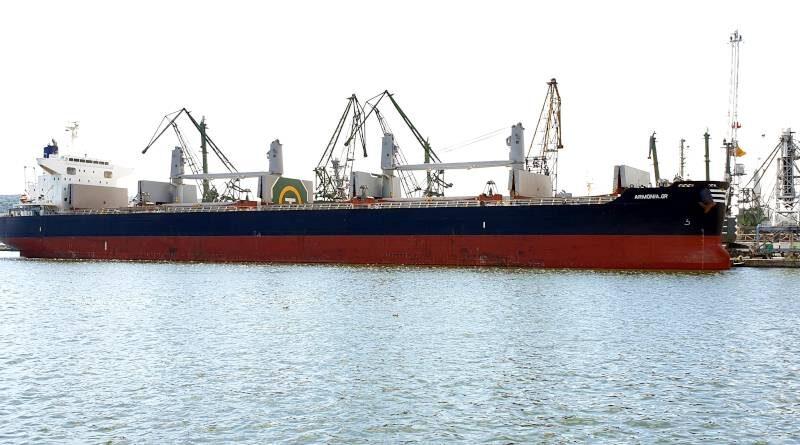 кораби за насипни товари
