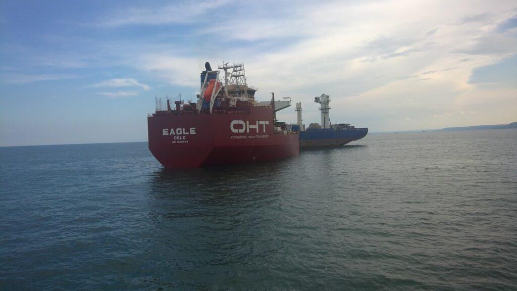 """Натоварване на OCV EXCELLENCE на кораба за тежки товари """"Eagle"""""""