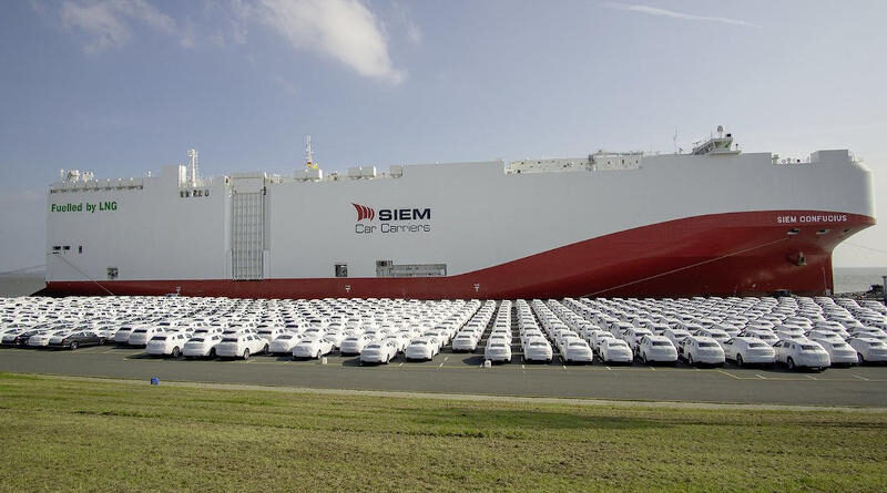 Най-големият автомобиловоз задвижван с LNG ексклузивно чартиран от Volkswagen