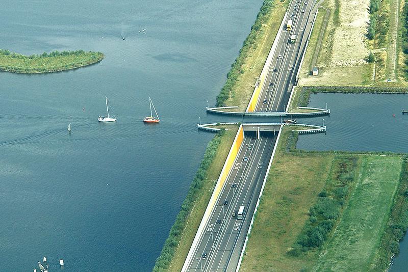 Акведуктът Veluwemeer